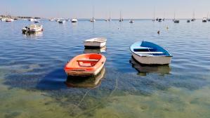 Veneitä San Pedro Del Pinatarin rannalla.